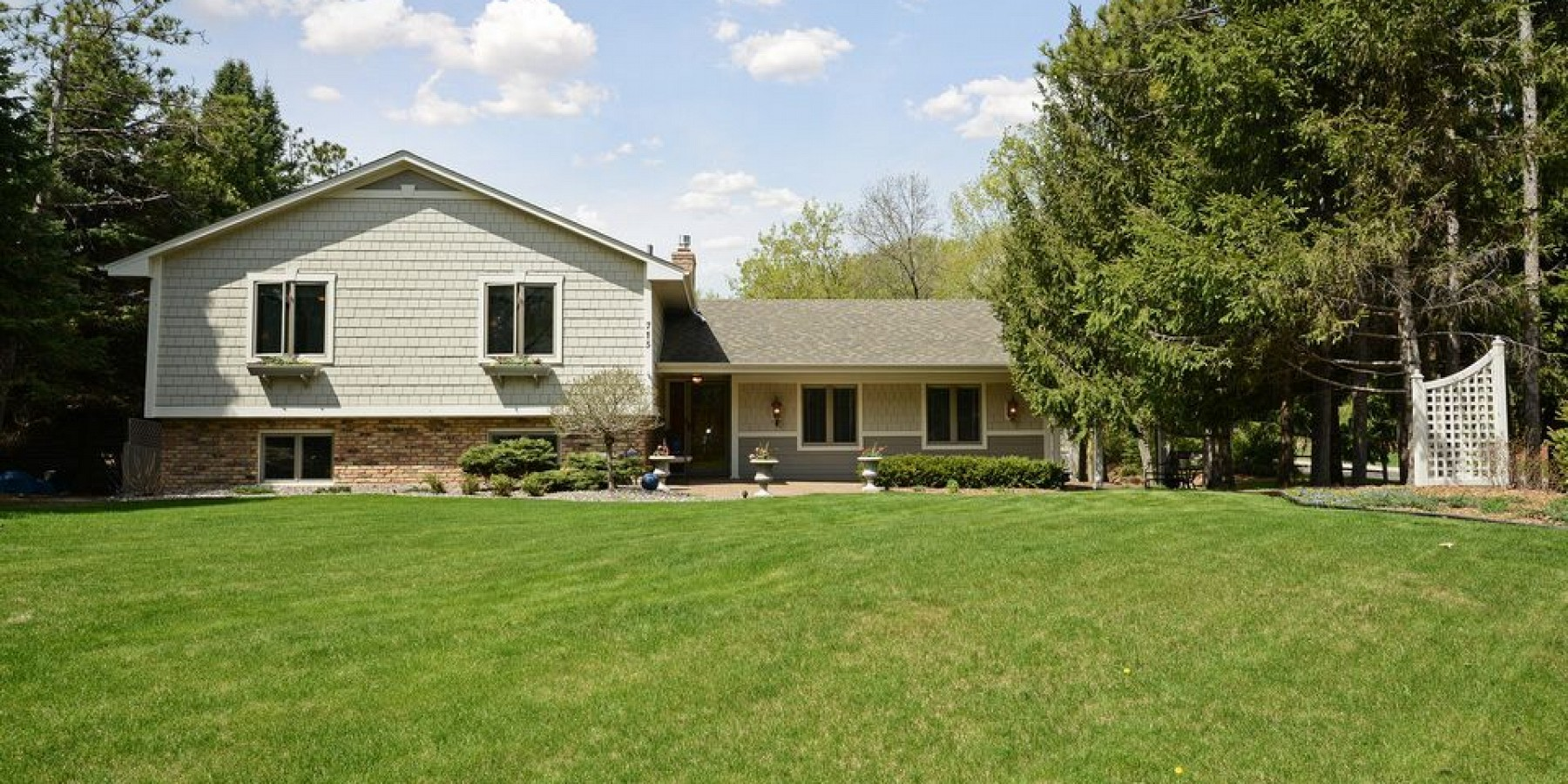 715 Queensland Lane North, Plymouth, MN 55447