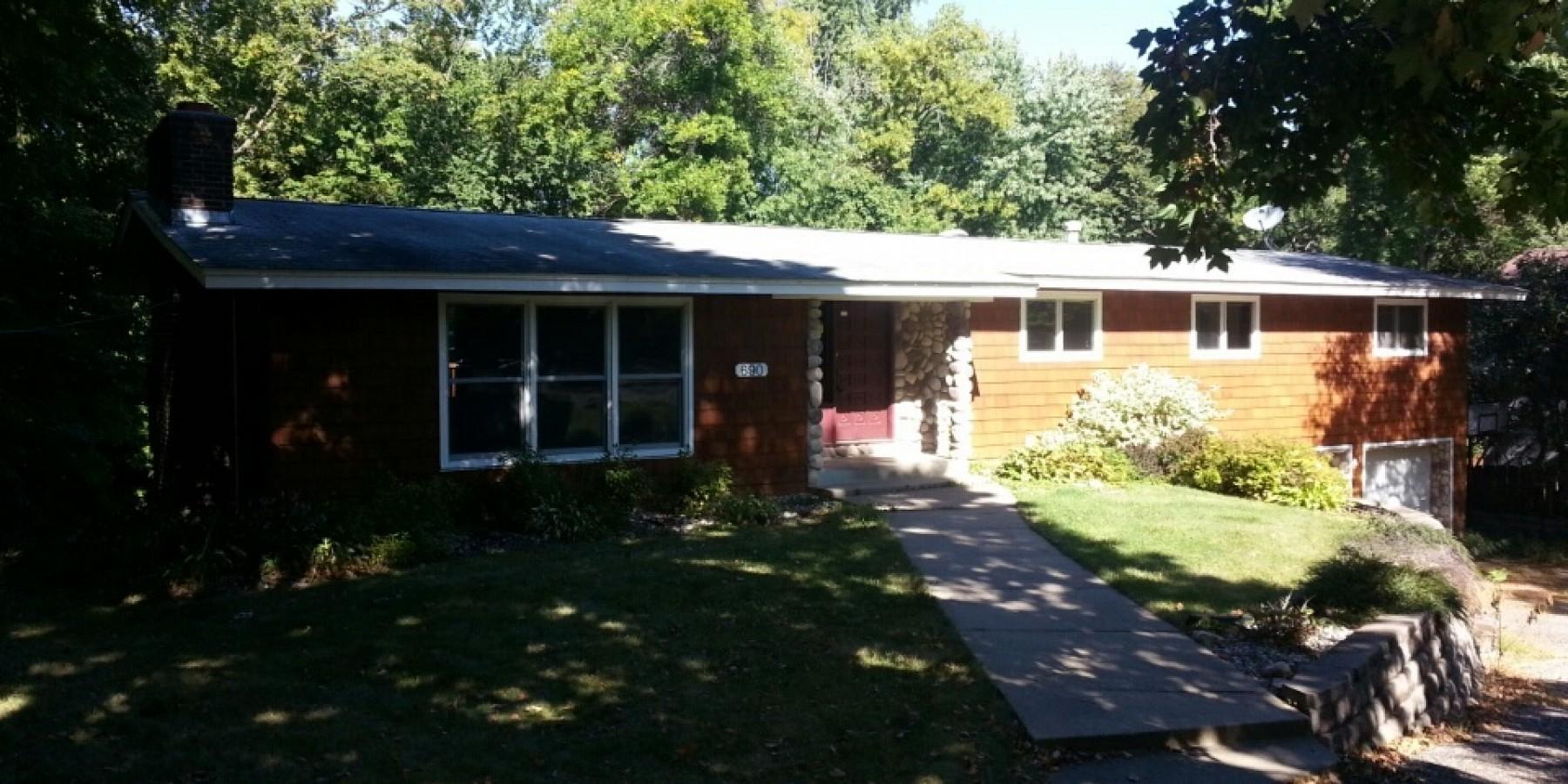 690 Glencoe Road, Excelsior, MN 55331