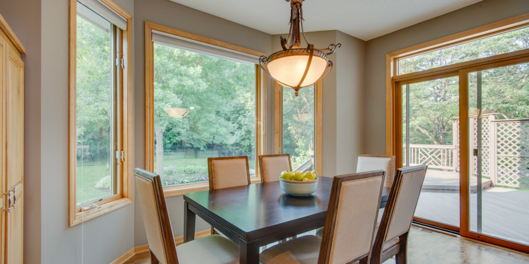 4180 LAKERIDGE ROAD, CHANHASSEN, MN 55331