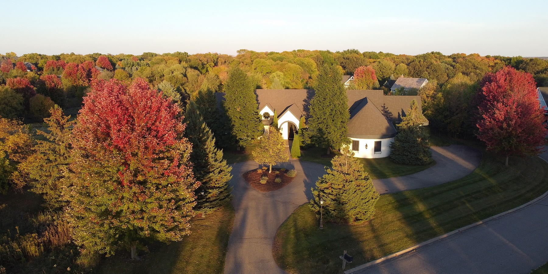 2760 DEER RUN TRAIL E., ORONO, MN 55356