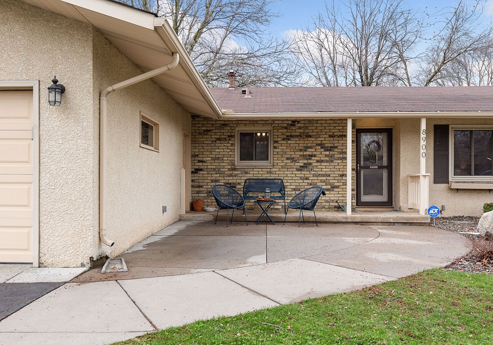 8900 40TH AVENUE NORTH, NEW HOPE, MN 55427